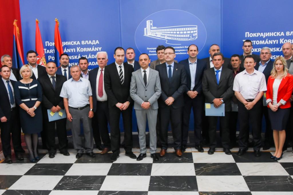 PODRŠKA POKRAJINE: Opštini Inđija sredstva u iznosu od 20 miliona dinara
