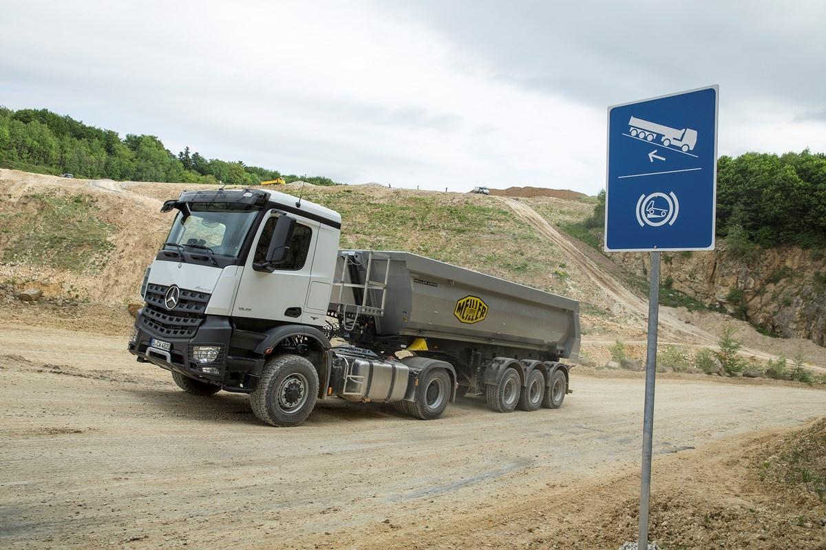 ČORTANOVCI I KAMIONI: Probijena trasa, urađena obilaznica od 900 metara oko sela