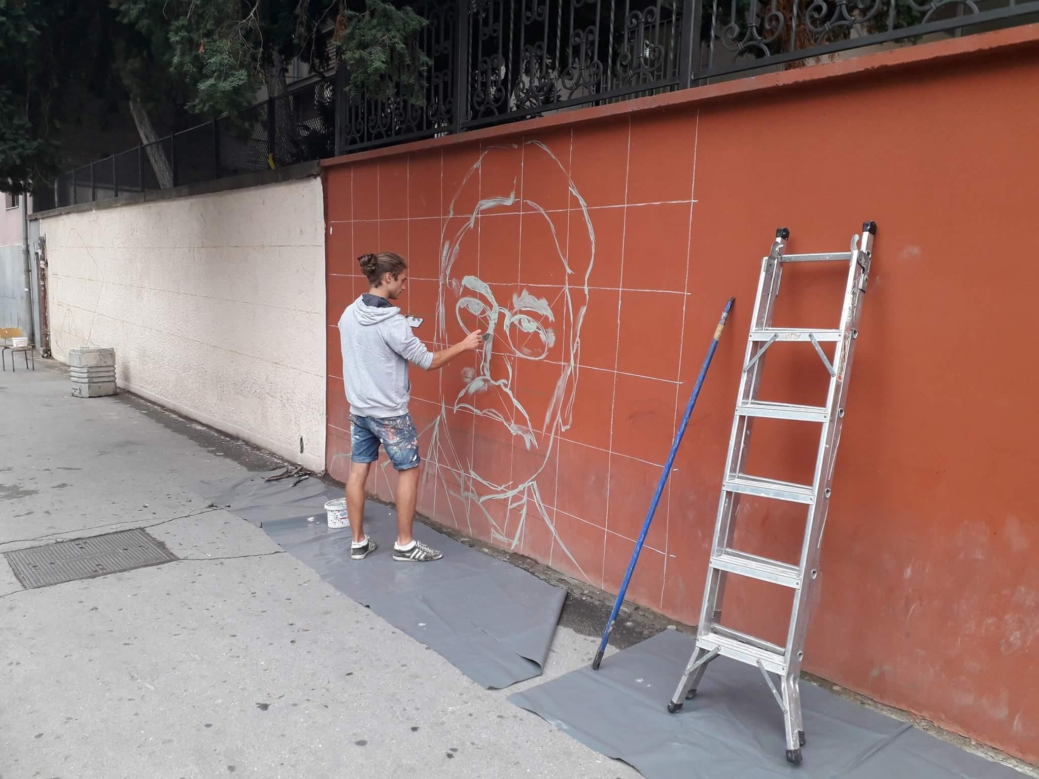 BRAVO: Niče mural Mihajla Pupina na Tehničkoj školi u Inđiji