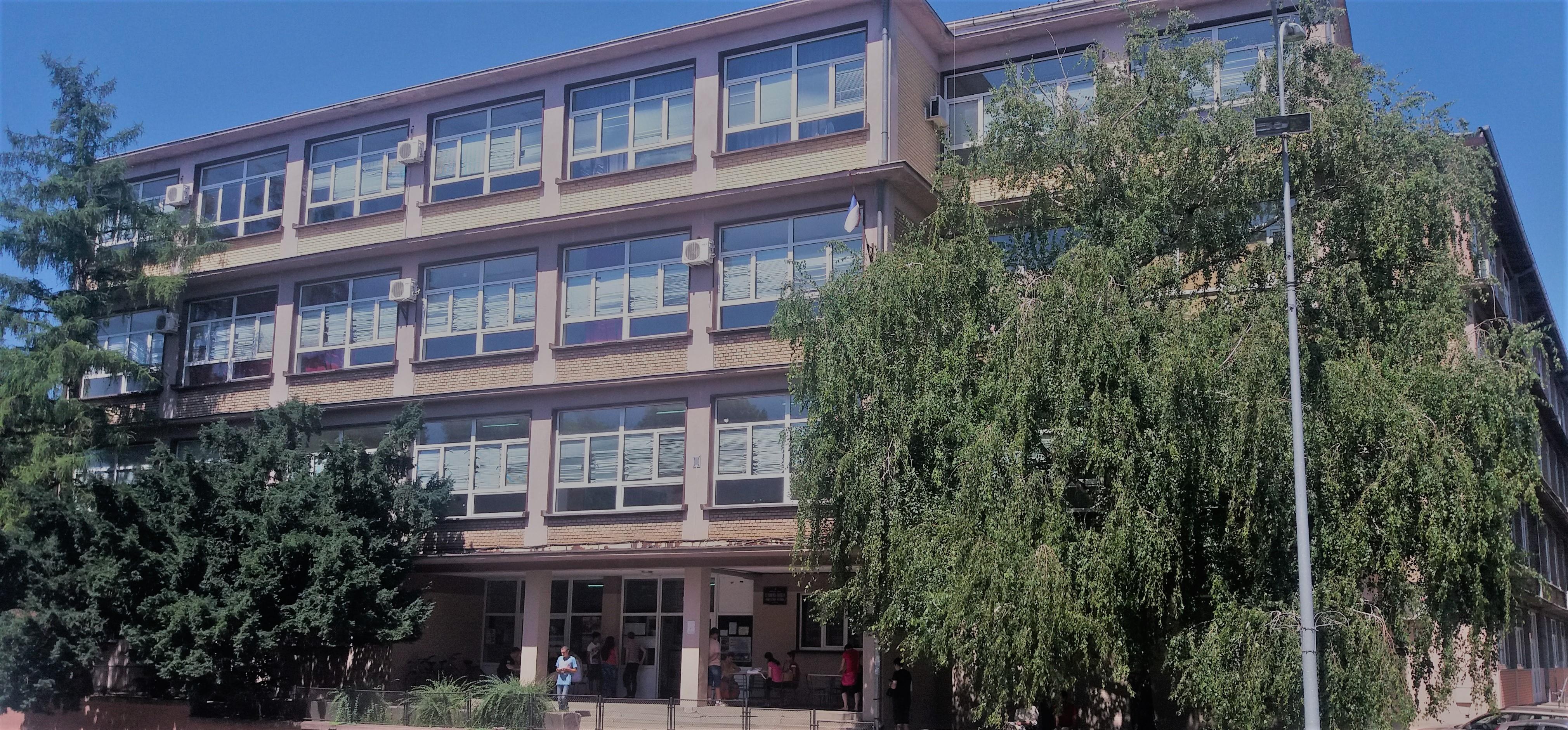 Tehnička škola u Inđiji dobija novi sjaj-osim murala Pupinu i drugi radovi