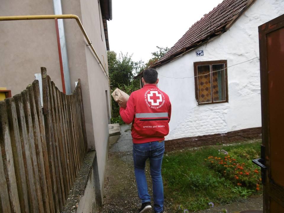 Paketi pomoći za socijalno ugrožene u Inđiji