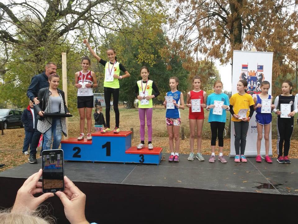 Najmlađi atletičari Inđije uspešni na krosu RTS-a