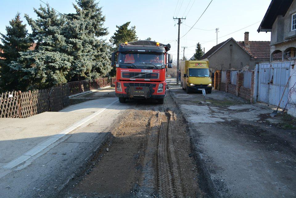 ISPUNJENO: Počela rekonstrukcija Golubinačke ulice u Inđiji