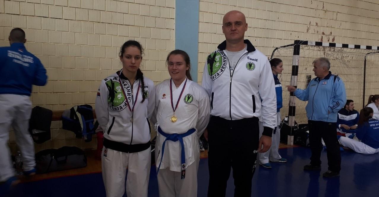 """Nove medalje karate kluba """"Železničar"""" iz Inđije"""