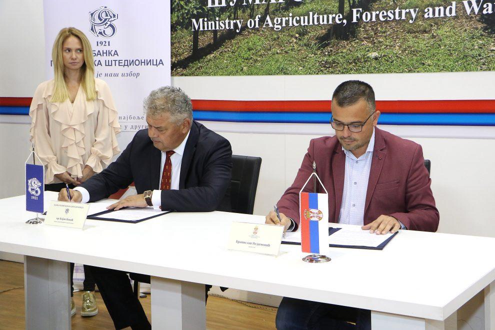 DOBRA ŠANSA ZA MLADE: Povoljni krediti za kupovinu poljoprivrednog zemljišta
