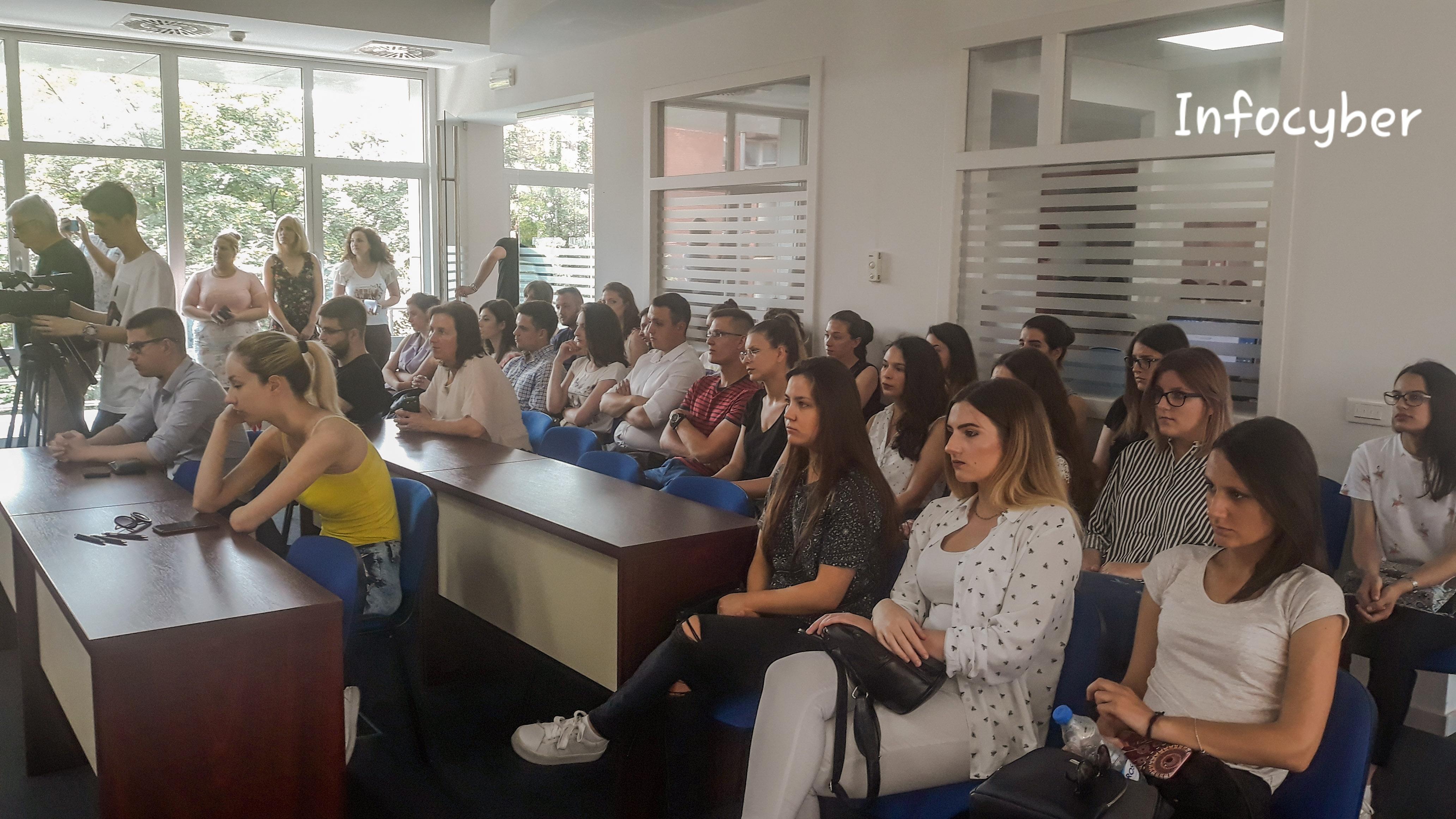 PODRŠKA: Studenti u Inđiji mogu da računaju na preporuku opštine prilikom zapošljavanja