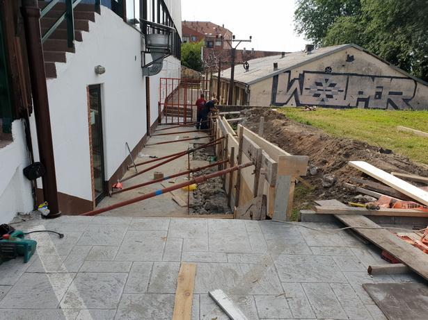 STARA HALA U NOVOM RUHU: Rekonstrukcija trotoara za veću bezbednost
