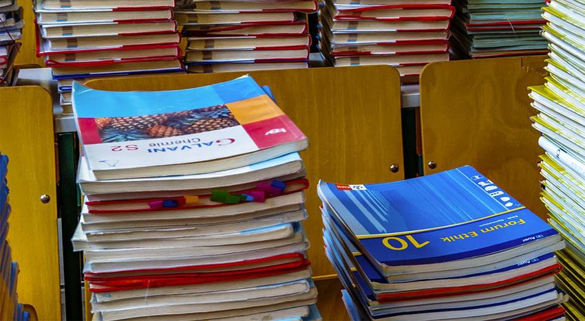 STARA PAZOVA: Besplatni udžbenici i školski pribor za prvake
