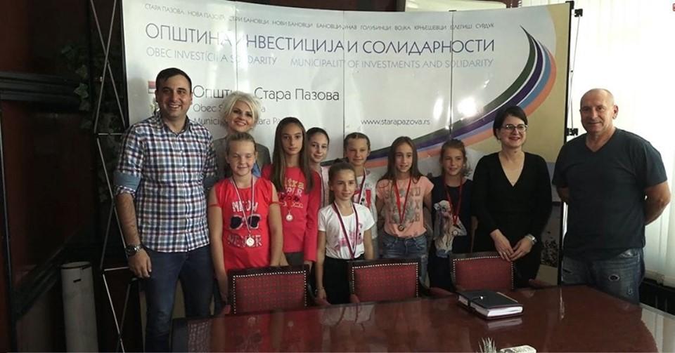 Devojčice Kajakaškog kluba Stari Banovci među najboljima u Srbiji