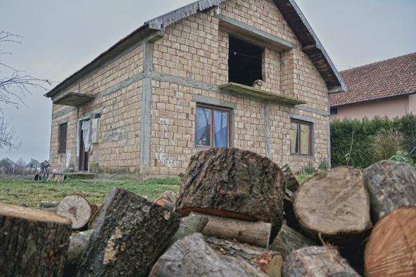 I ove zime ogrevno drvo za 380 socijalno ugroženih porodica u Inđiji