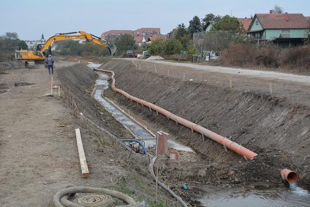 U SLUŽBI POLJOPRIVREDE Uređenje kanala u Inđiji, Ljukovu i Starom Slankamenu