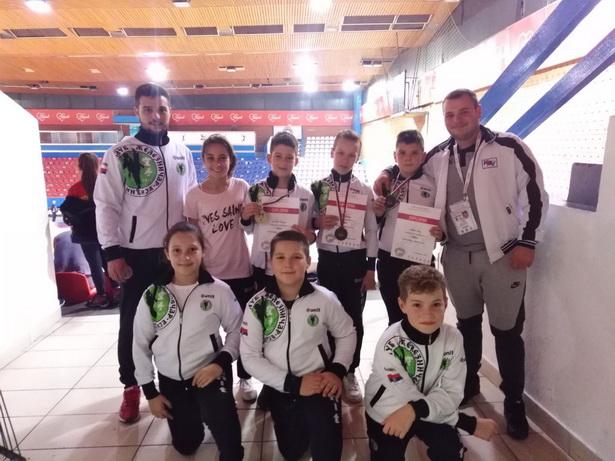 """U konkurenciji 1.500 takmičara karatisti """"Železničara"""" doneli kući sedam medalja"""