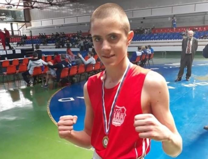 ŠAMPION VOJVODINE I SRBIJE: Boris Dovedan mladi bokser iz Čortanovaca