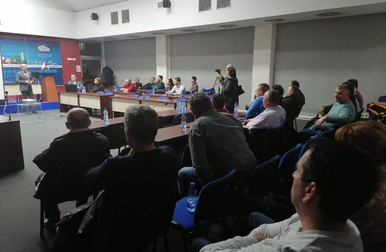 U Inđiji predstavljeni konkursi Pokrajine za poljoprivrednike