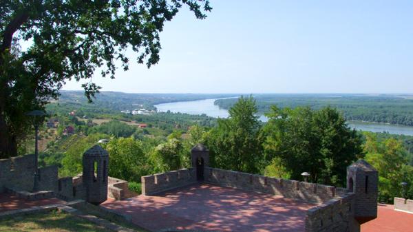 ČORTANOVCI Interesantno mesto gde se grle Fruška gora i Dunav