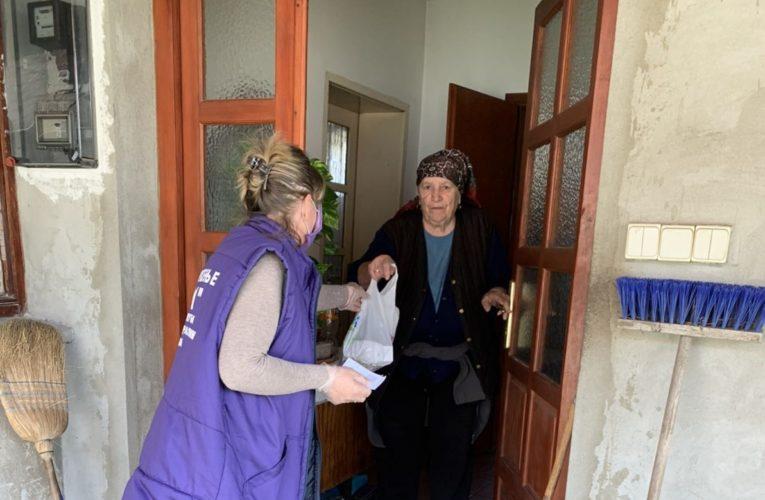 SA LICA MESTA: Gerontodomaćice i Žuti marketi u akciji pomoći starima (FOTO)