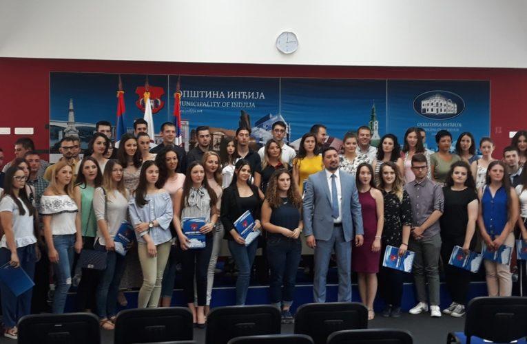 U SAMOM VRHU Ove godine studentske stipendije u Inđiji 17.000 dinara