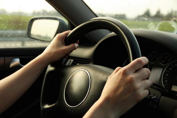 Inđinčanka vozila bez dozvole tokom policijskog časa-kazna 150.000 dinara