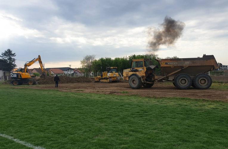 POSLE 40 GODINA Sređuje se pomoćni teren kod gradskog stadiona u Inđiji