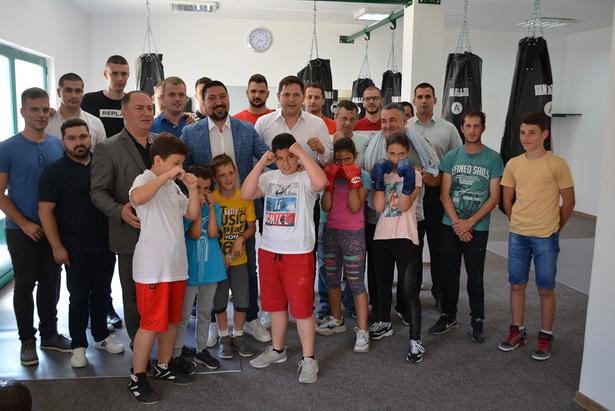 "OSNOVAN BOKS KLUB ""Inđija""- Nakon dve decenije čekanja ponovo zaživeo bokserski sport"