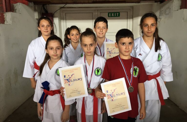 "Mladi ""Željini"" karatisti se okitili medaljama na Državnom prvenstvu"