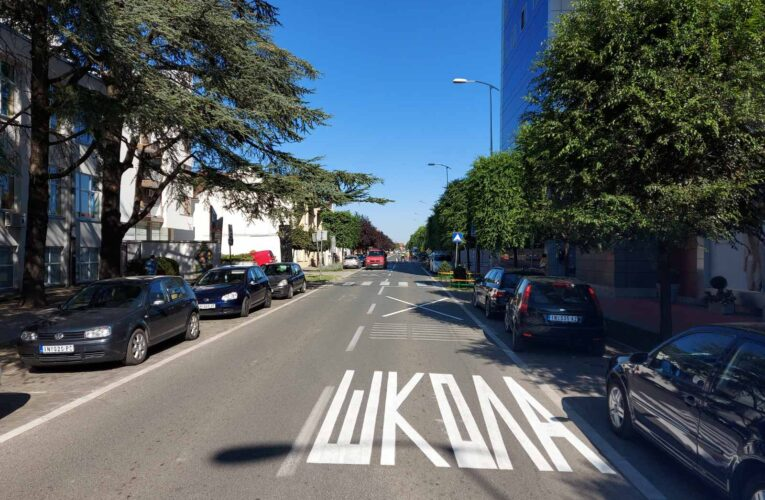 BEZBEDNOST ĐAKA: Obnovljena saobraćajna signalizacija u zoni škola