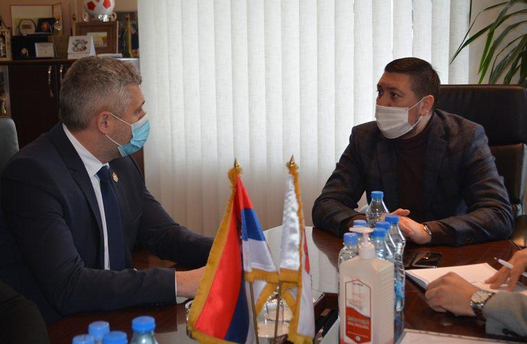 ULAGANJE U SPORT: Sekretar Basta danas posetio opštinu Inđija