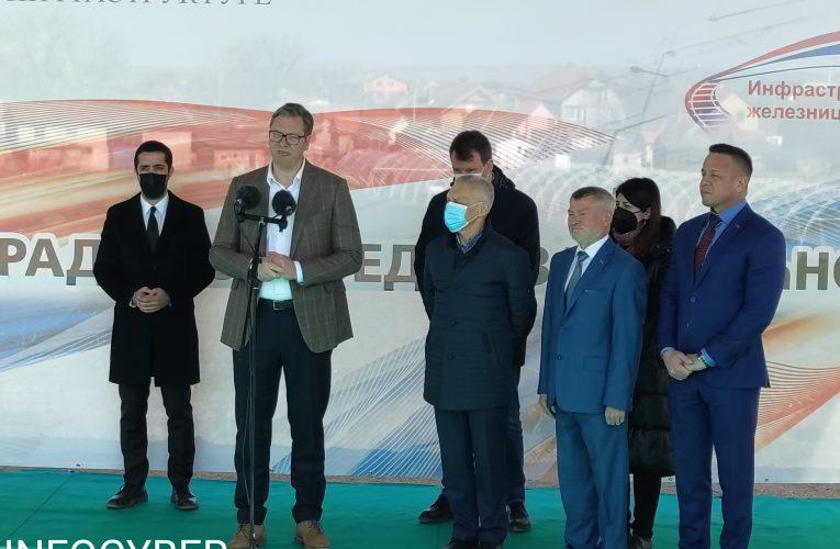 PREDSEDNIK VUČIĆ obišao radove na izgradnji vijadukta u Beški-iduće godine najmodernija železnica