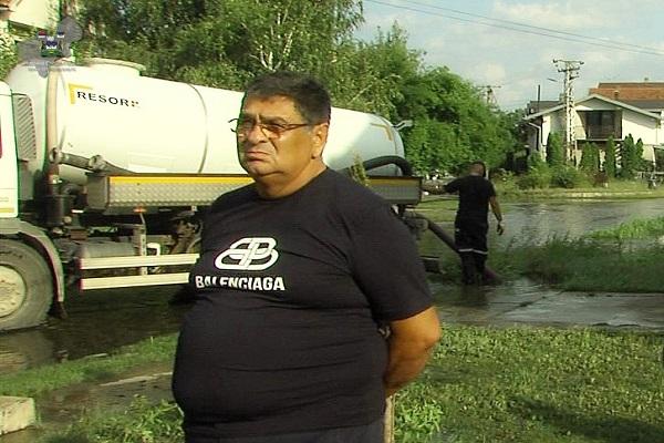 STARA PAZOVA: Pala rekordna količina kiše, 197 litara, odmah intervenisale sve službe