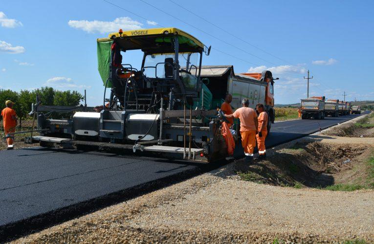 Pri kraju radovi na asfaltiranju puta Slankamen-Surduk