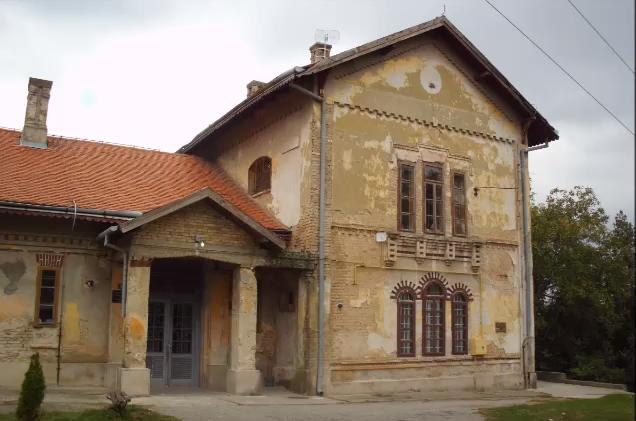 DOBRODOŠLI U JARKOVCE: Selo čuveno po dvorcu, prelepom jezeru i prvom akademskom slikaru