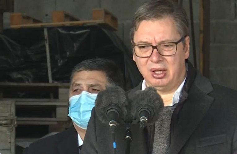 Predsednik Vučić posetio gazdinstvo u Golubincima