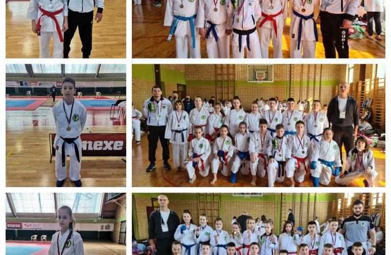 KARATISTI ŽELEZNIČARA: Osvojili 26 medalja na Prvenstvu Vojvodine za nade i pionire