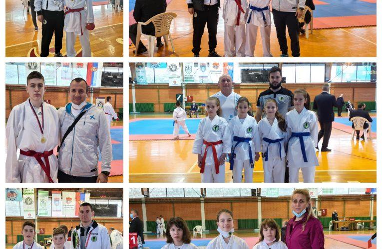 450 ĐAKA: Školsko prvenstvo Vojvodine u karate sportu u Inđiji