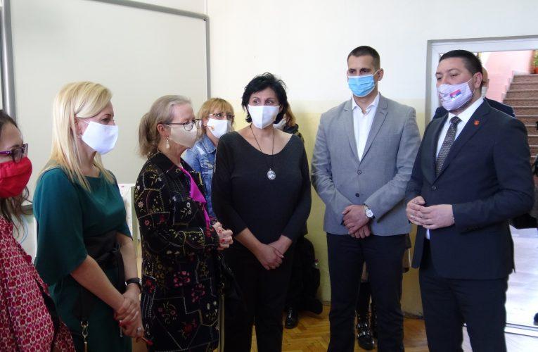 ZVANIČNA POSETA: Supruga američkog ambasadora i kanadskog ambasadora posetile Inđiju