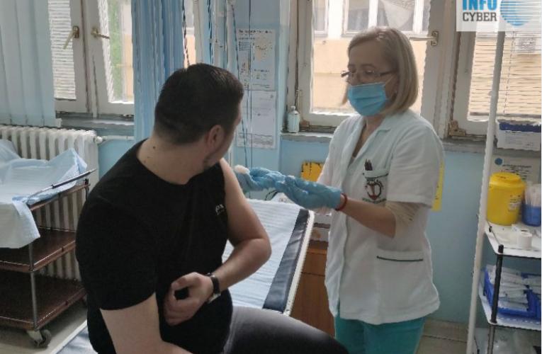 Predsednik Gak se vakcinisao i pozvao građane da se vakcinišu (VIDEO)