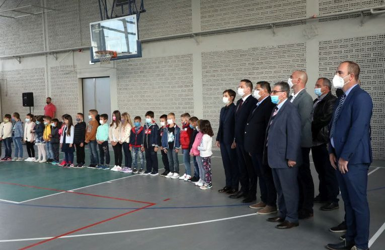 Premijerka Srbije Ana Brnabić posetila novoizgrađenu školu u Belegišu